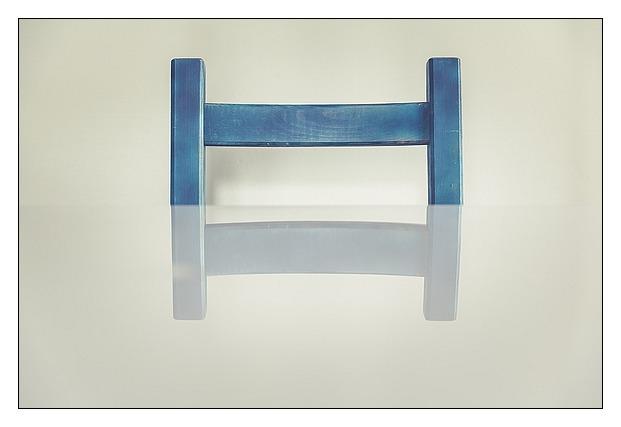 Minimal-Chair-Markus-Spiske-1730934_583